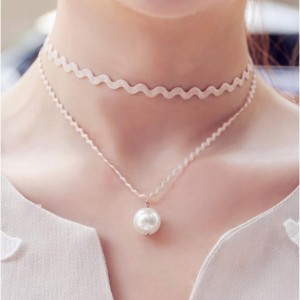 Double Layered Scalloped Choker Necklace