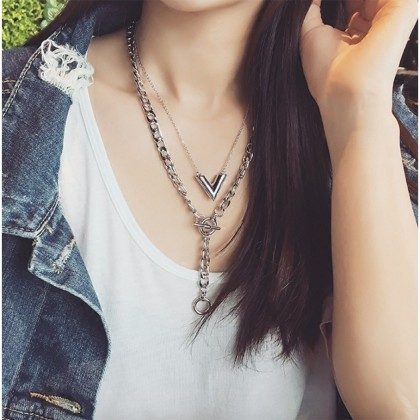 V and Y-Shaped Chain 2 Pieces Necklace in Set